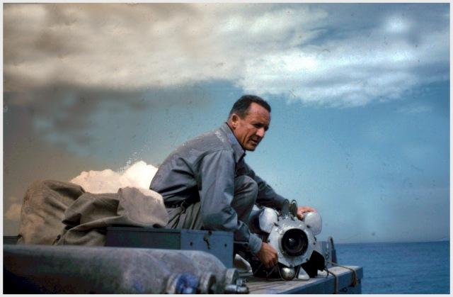 """FREDERIC DUMAS  lors du tournage du film """"Le monde sans soleil"""" en Mer Rouge. Coll. privée Dumas; numérisation et restauration Bernard Laire"""