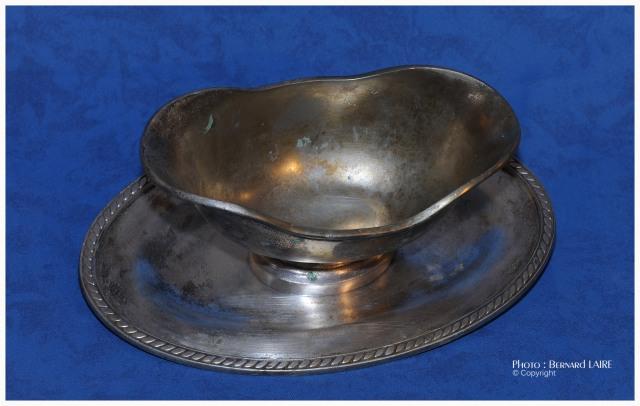 Vaisselle du Morse: saucière. Restaurée par Dominique Lafont.